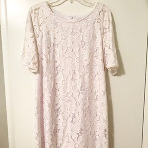 3/4 length sleeved lace dress with zipper back